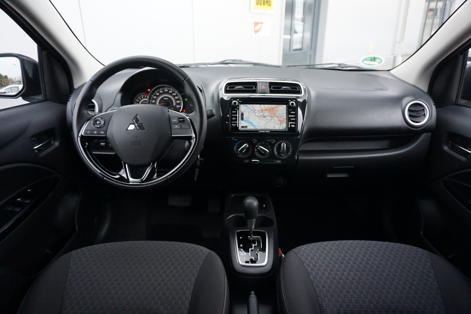 Mitsubishi Space Star 1.2 Connect Pro full